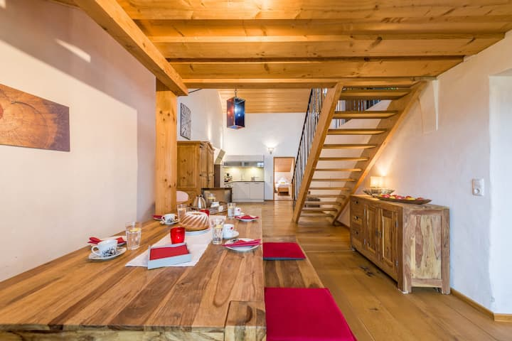 "Charming Apartment ""Bergblick"" in Farmhouse with Balcony, Garden & Wi-Fi; Parking Available"