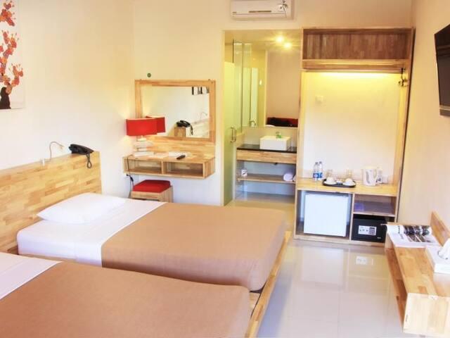 Room Near Kuta Beach ( Super Deluxe Twin)