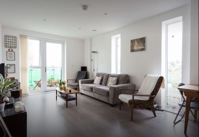 Spacious modern flat in Wembley - Wembley - Appartement
