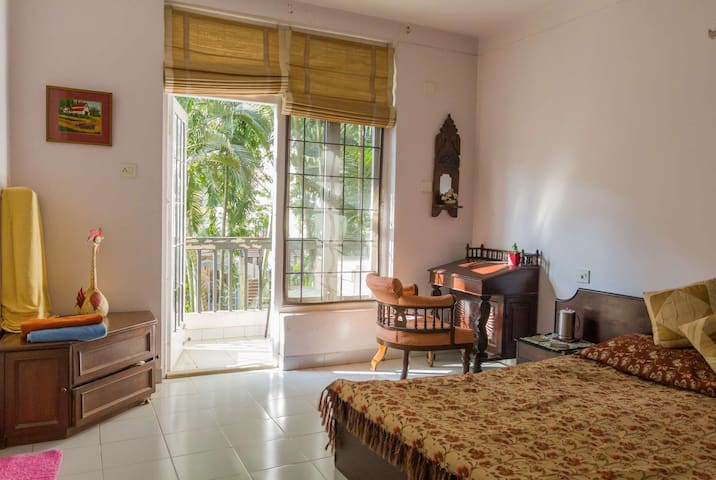 Green Getaway with Private Balcony - Bangalore