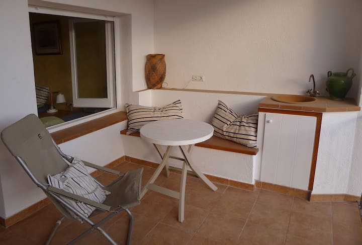 Cozy apartment centrally located