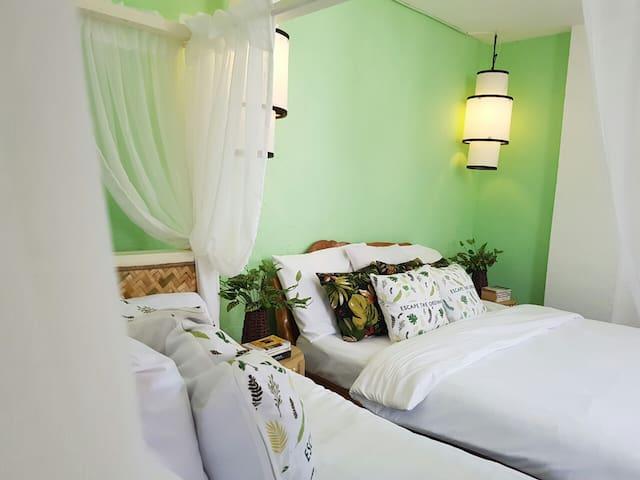 COCOTEL Rooms Penthouse 8 Colors Boracay