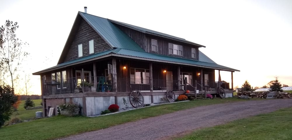 The Farmhouse on Sweeny Creek