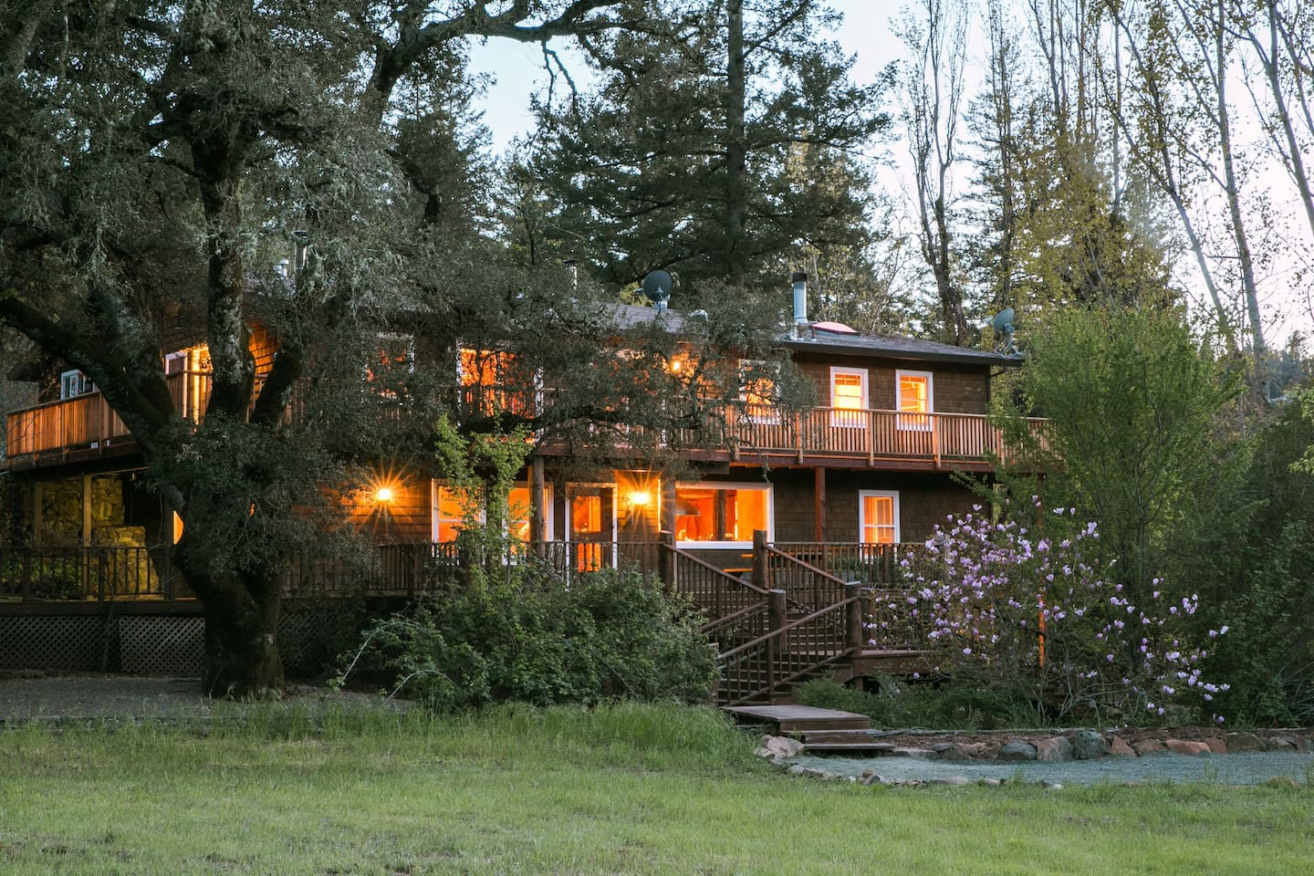 Modern wood lodge in midst of 50 acre property