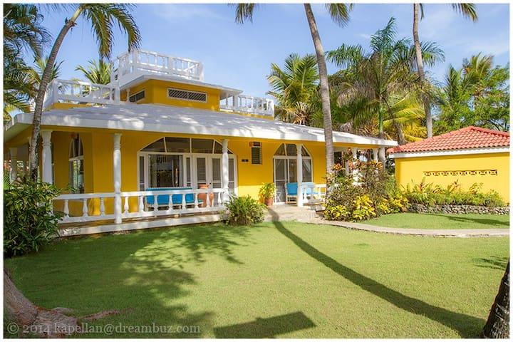Villa Dawn, Bahia de Arena