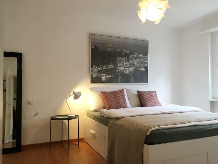 2 Zimmer mit Balkon, Netflix und Mietfahrräder