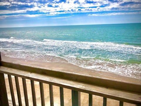 """""""De Costa Su Casa""""  OCEAN FRONT CONDO  Eco-Aware"""