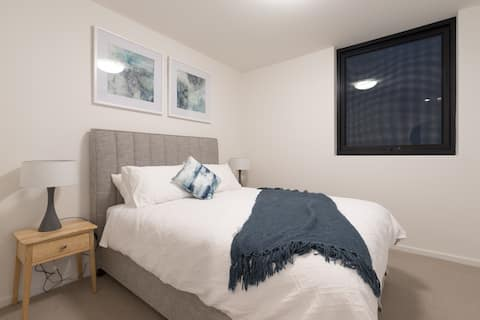 Cosy Quality East End Apartment