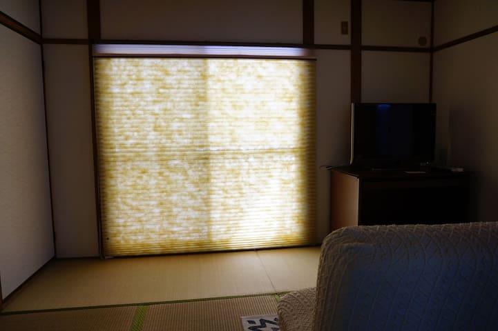 テレビの部屋  TV room