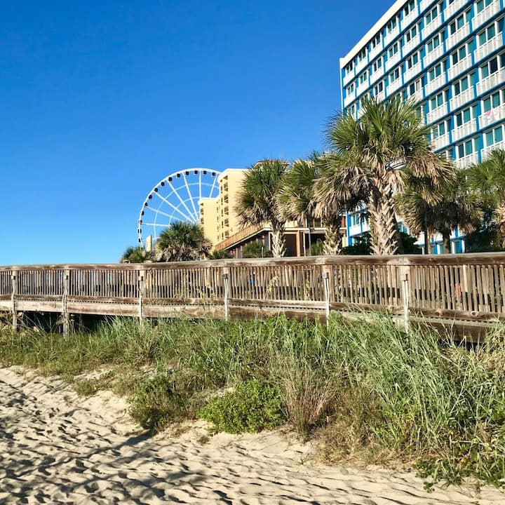 One Bedroom Deluxe Ocean Front, Myrtle Beach, South Carolina (A900)