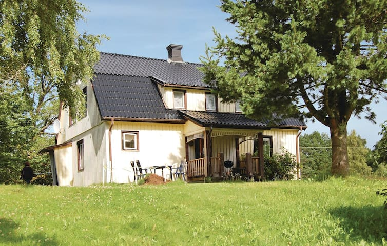 Holiday cottage with 3 bedrooms on 150m² in Öxabäck