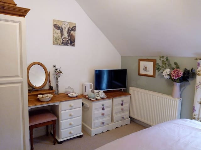 Old farmhouse in the Yorkshire wolds,dog friendly