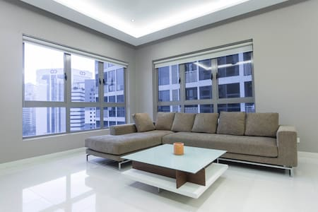 Cosy 3BR KL Tower View Service Apartment @ KL City - 吉隆坡