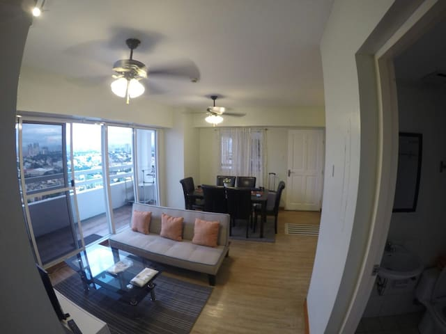 3Br Unit - Resort Living in the City bordering CBD - Manila