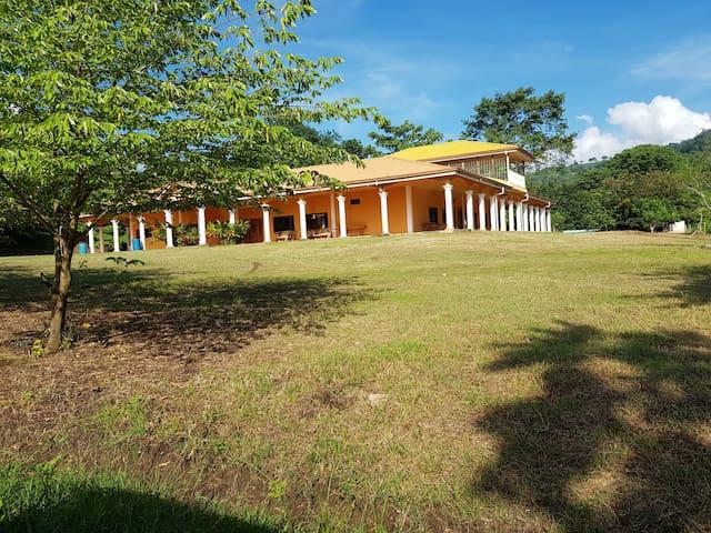 Casa de Campo El Granzal