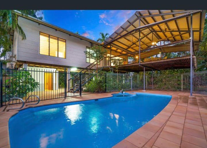 Tropical entertainment home