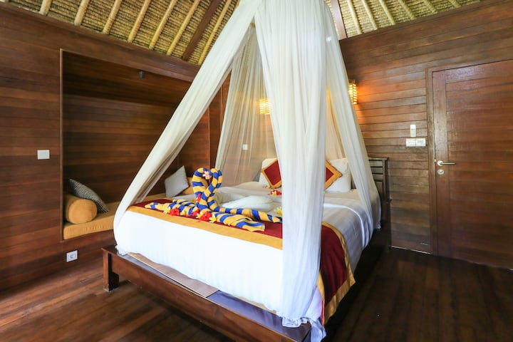Deluxe Double w/ Balcony at Lembongan Mantra Huts
