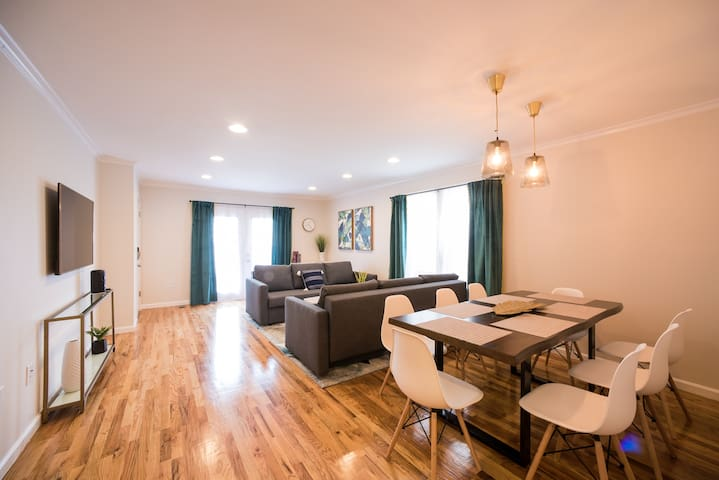 Luxury 3BR Apartment 20 Minutes to TIMES SQUARE