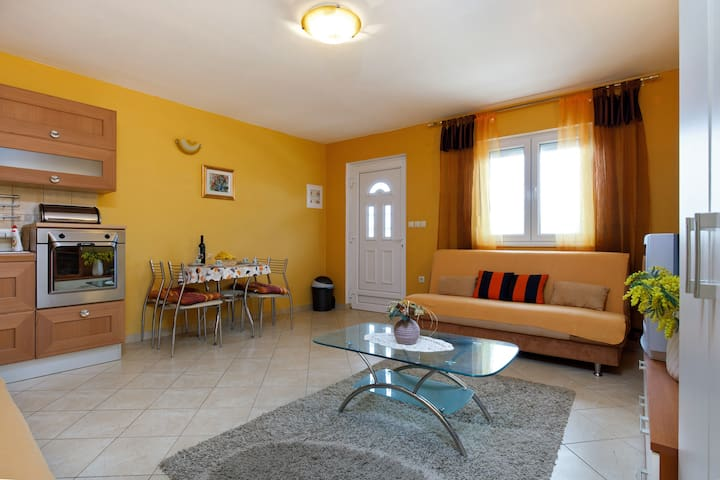 Cozy apartment - Rogoznica
