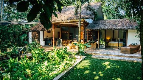 Villa with a natural pool, near Lio beach.