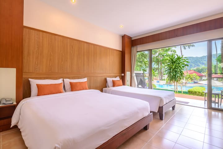 Triple room with directly access to swimming pool.