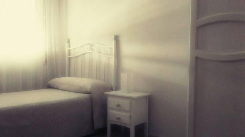 Habitación en Isla Chica - Huelva - Lägenhet