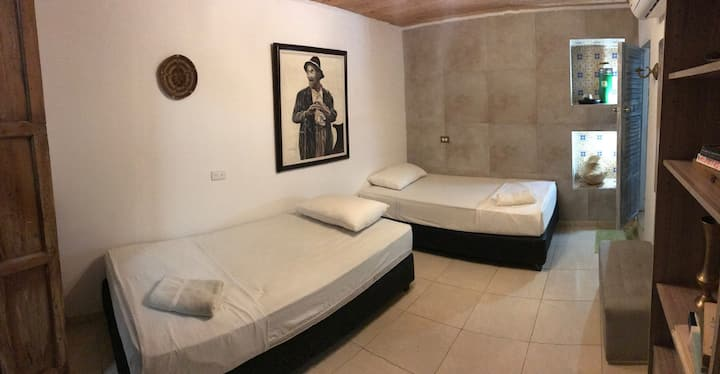 Twin room in Getsemaní, your home in Cartagena!