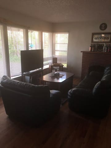 Great bedroom to stay at, close to downtown & CSU!