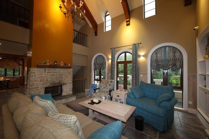 阳澄湖畔别墅,美式高品质装修!室内新风除湿四季恒温系统,24小时热水!