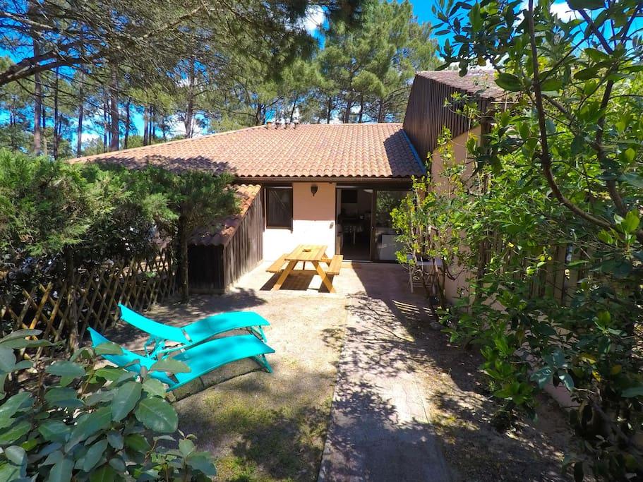 Jardin privatif, transats, terrasse