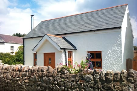 Luxury Seaside Cottage in Gower
