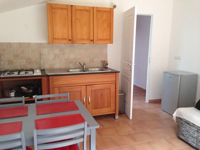Appartement T2 indépendant - Gémenos - Leilighet