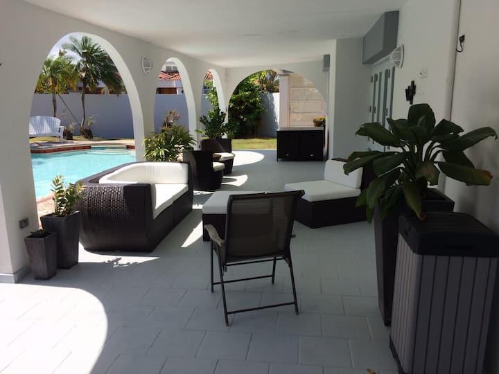 Cozy House in Dorado near Beach and Embassy Suites