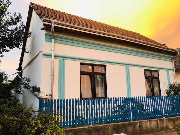 Napkapu Guest House, Panyola