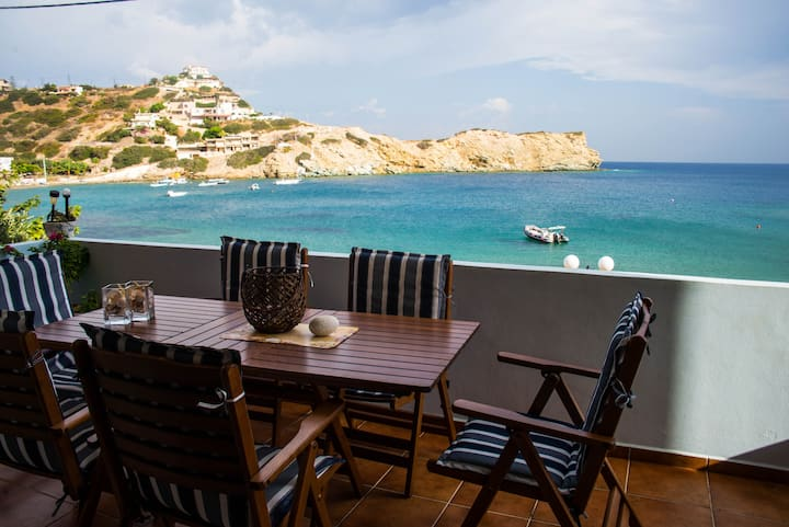 Beachfront apartment in Ligaria Crete