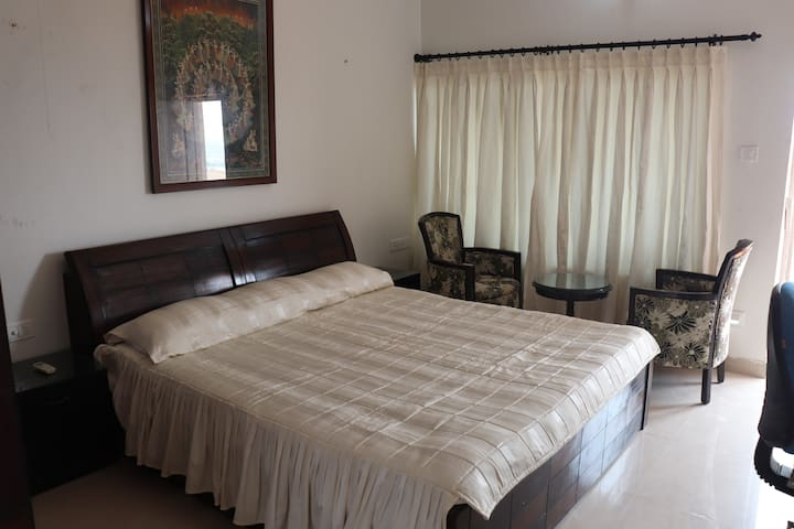 Private Room  with Balcony Sea front-Puri