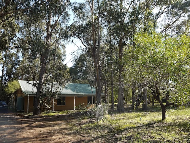 Yallingup Bush Land Cottage