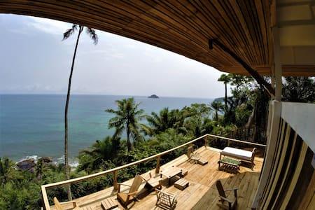 Unama Coastline House - Santana