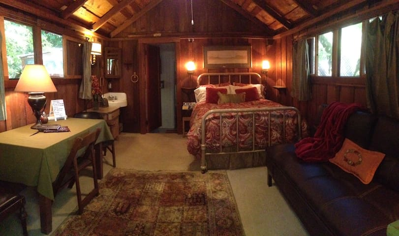 Wine Country Cabin in the Woods - Glen Ellen - Cabane