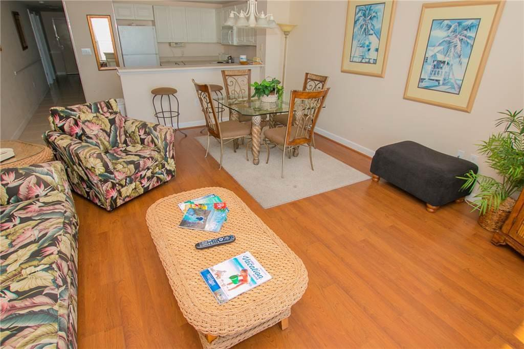 Wonderful Waterfront Condo 2 Bedrooms Sterling Shores 806 Condominiums For Rent In Destin