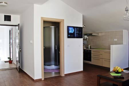 40m2 loft apartment in Budva centre - Budva - Daire
