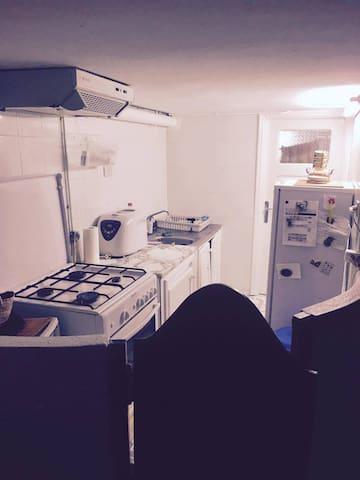A warm appartement or private room  ground floor - ตูนิส - ที่พักพร้อมอาหารเช้า