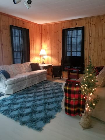 Newberry Homestyle Lodging - Downtown Newberry