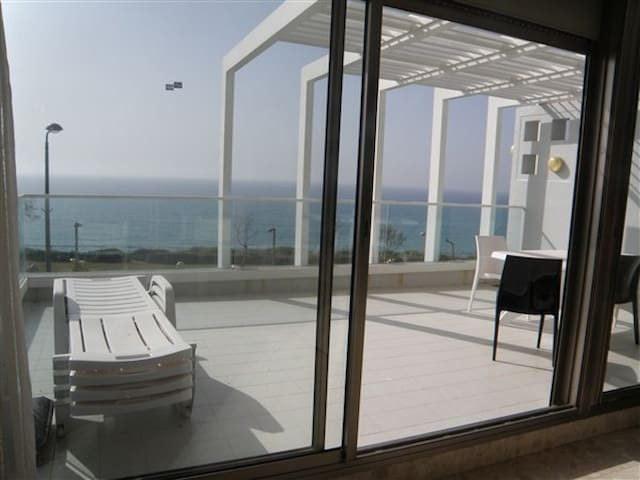 Luxury apartment with large balcony - Netanya - Apartamento