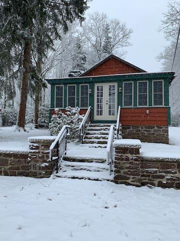 Cozy Mountain Cabin at Lake Harmony
