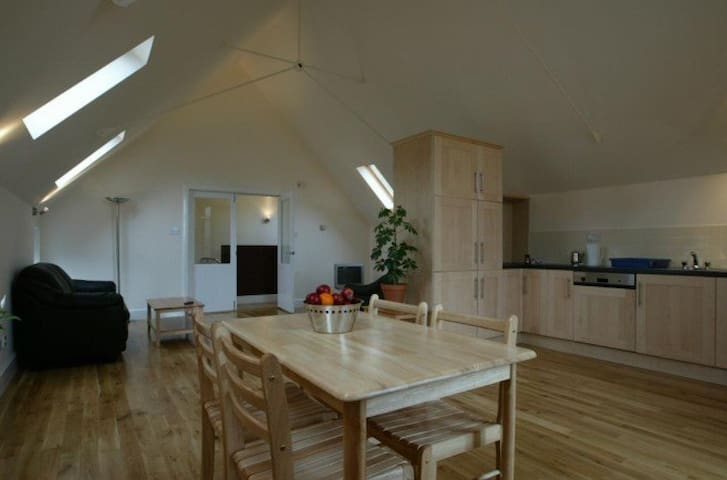 Unique Split Level Barn Conversion - Sligo - Cabana