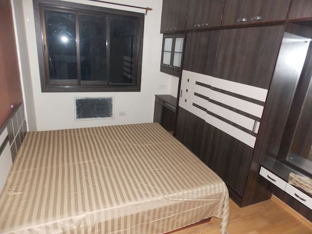 Modern Homestay- Spacious and Newly furnished flat