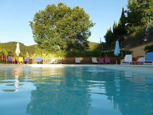 UMBRIA: Casa in pietra con piscina - Spoleto - House