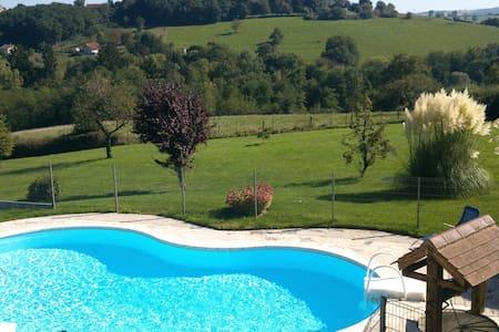 LE BOUCHON VERT - Montcombroux-les-Mines - Talo
