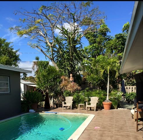 Moon Farms -- Backyard Tropical Paradise! - Cutler Bay - Wohnung